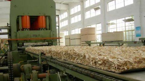 Tratar las aguas residuales en la fabricación de tableros